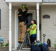 NCCPD and Lights on Delaware install over 60 front porch lights in Edgemoor Gardens